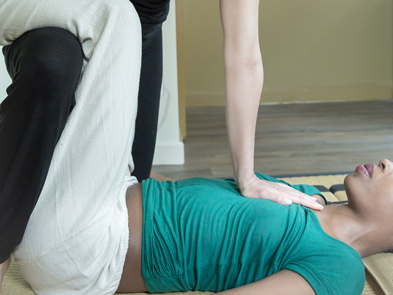 Shiatsu-massage-thaï-lesartisansduzen